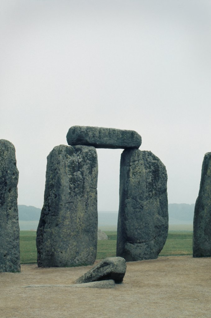Stock Photo: 1838-13821 Balancing Rocks, Stonehenge, England