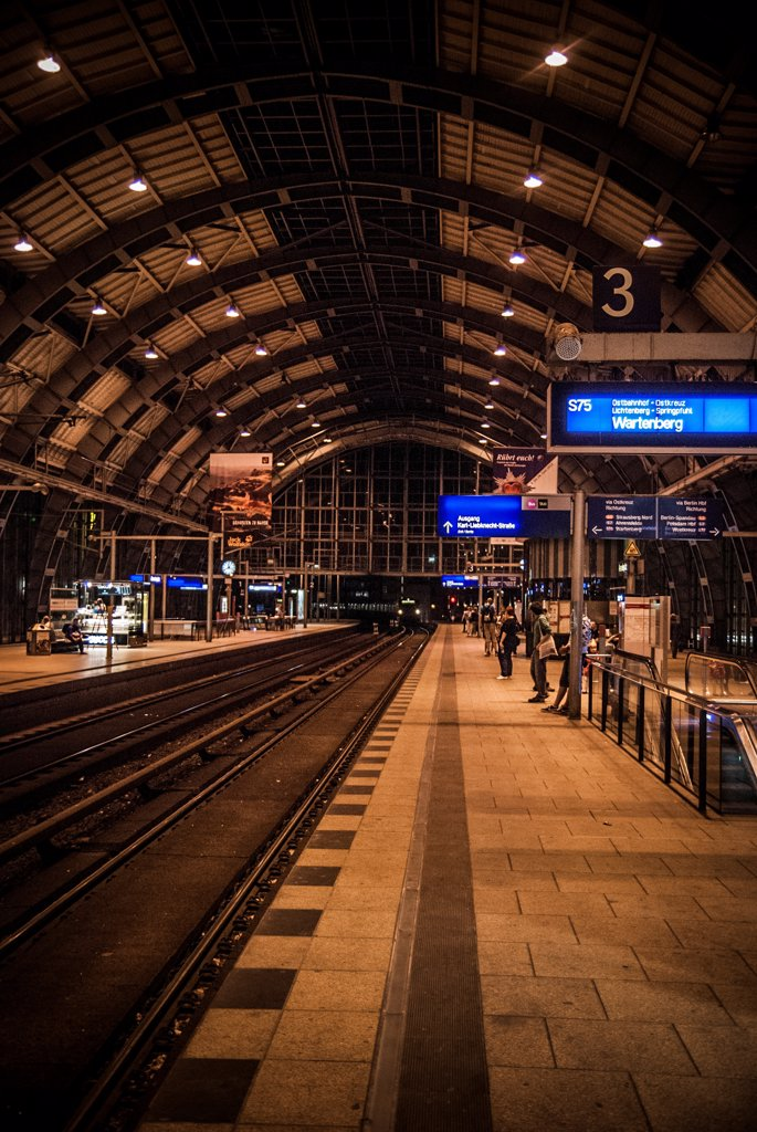 Stock Photo: 1838-13966 Commuter Train Station, Berlin, Germany