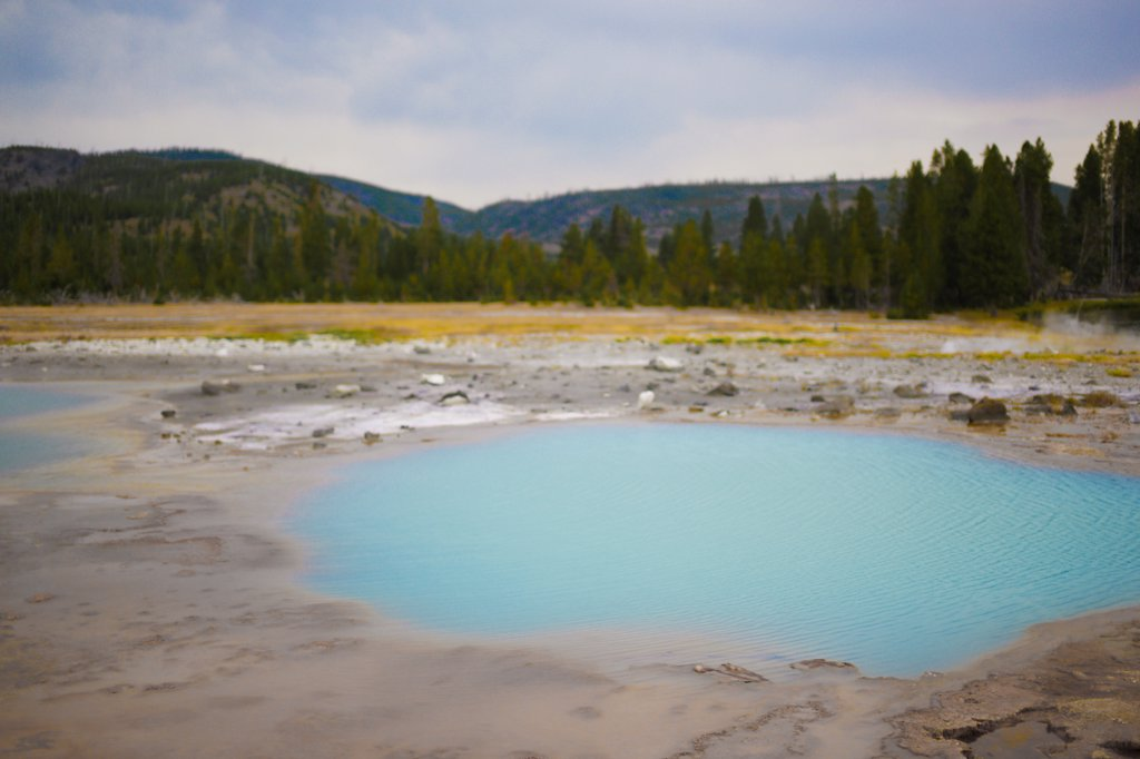 Stock Photo: 1838-14207 Sulfur Pool, Yellowstone National Park, USA