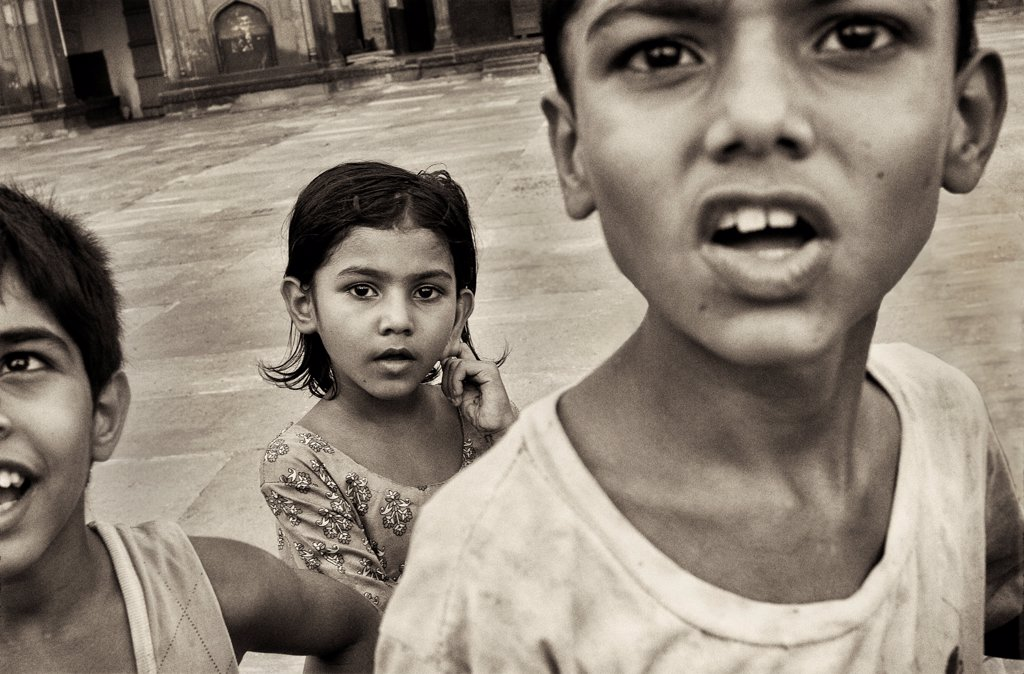Stock Photo: 1838-14458 Three Young Children, Close Up, Agra, India