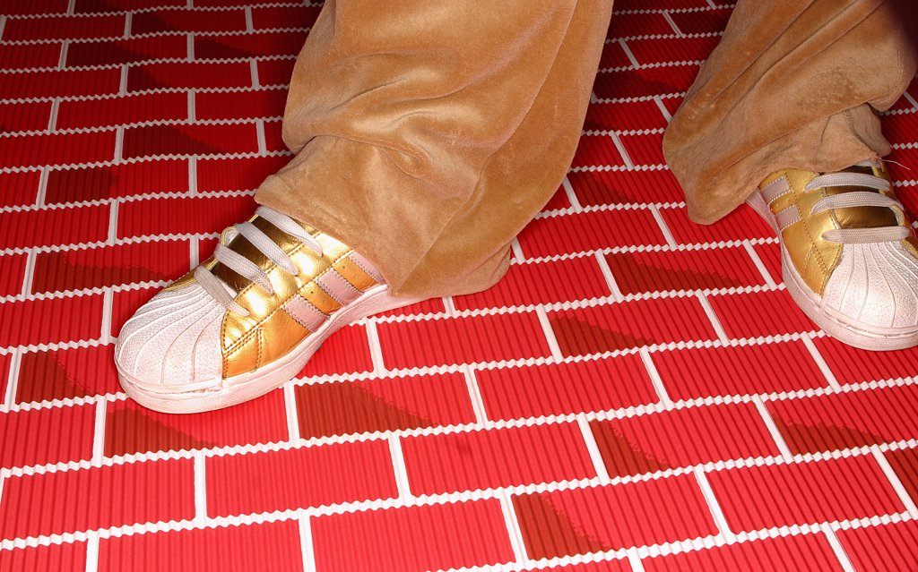 Stock Photo: 1838-9571 Gold Sneakers