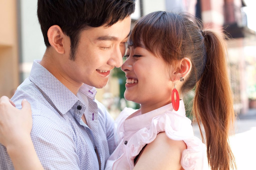 Stock Photo: 1839R-11137 Couple Embracing