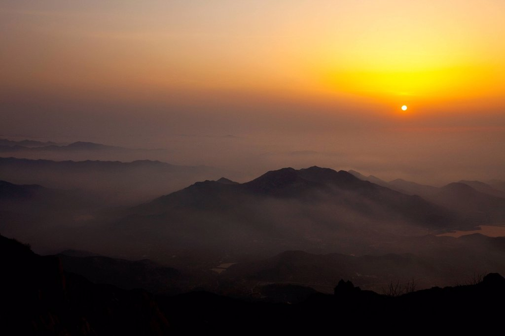 Stock Photo: 1839R-22570 Sunrise in Chinese national famous mountain Taishan