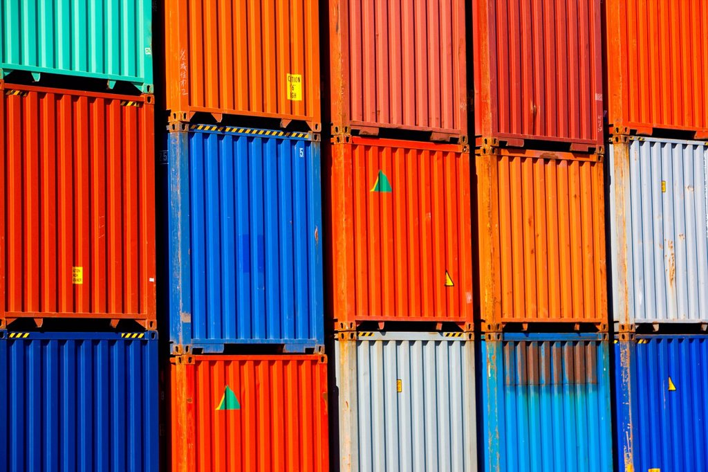 Cargo containers in shipping dock : Stock Photo