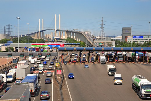 Kent, Queen Elizabeth Bridge, Toll : Stock Photo