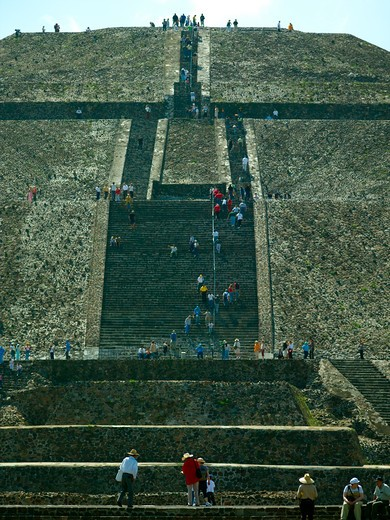 Stock Photo: 1840-19412 Teotihuacan , Pyramid of the Sun