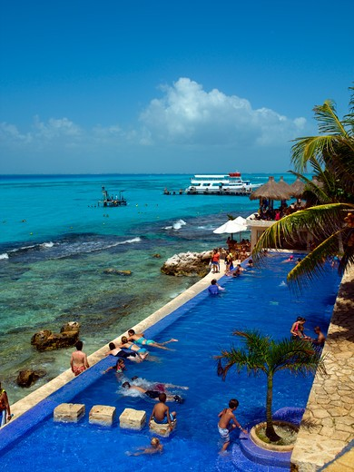 Stock Photo: 1840-19847 Isla Mujeres, El Garrafon, Swimming Pool