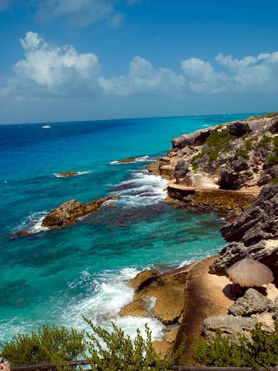 Isla Mujeres, Rocky Shoreline : Stock Photo