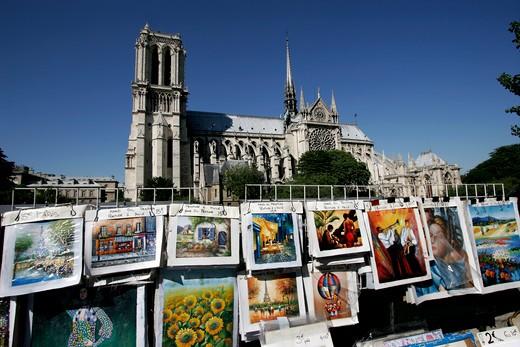 Stock Photo: 1840-21032 Paris, Notre Dame & Artist's Stalls