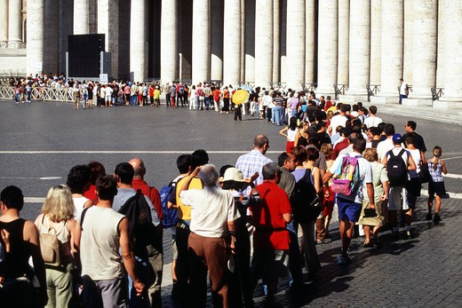 Stock Photo: 1840-21695 Rome, Queue To Enter St Peter's Church