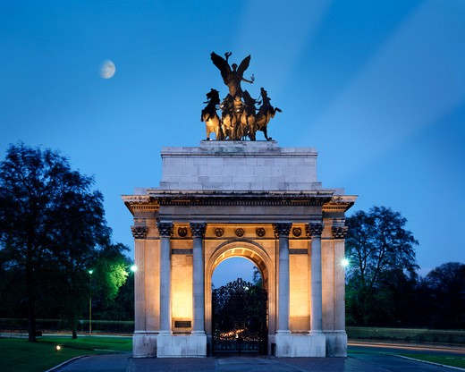 Stock Photo: 1840-25874 Wellington Arch At Hyde Park