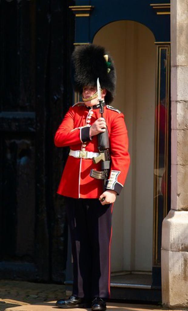 Stock Photo: 1840-30984 Guard St St. James's Palace