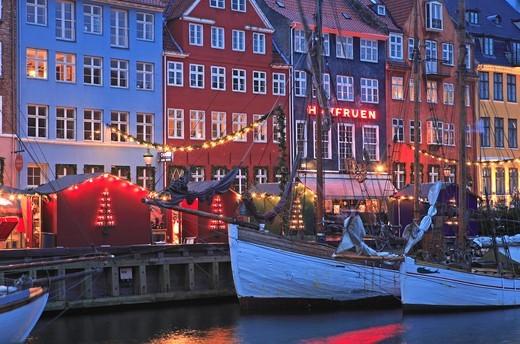 Stock Photo: 1840-31762 Nyhavn, Christmas Market, Copenhagen