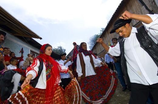 Gipsy Wedding, Village Of Scoreiu Near Fagaras : Stock Photo