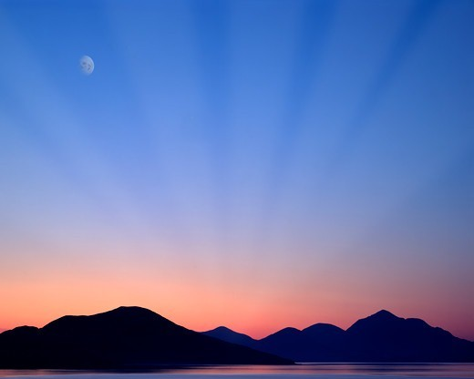 Outer Hebrides, Moon over Taransay : Stock Photo