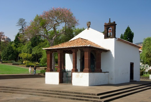 Stock Photo: 1840-36915 Small chapel of Santa Catarina in the gardens.