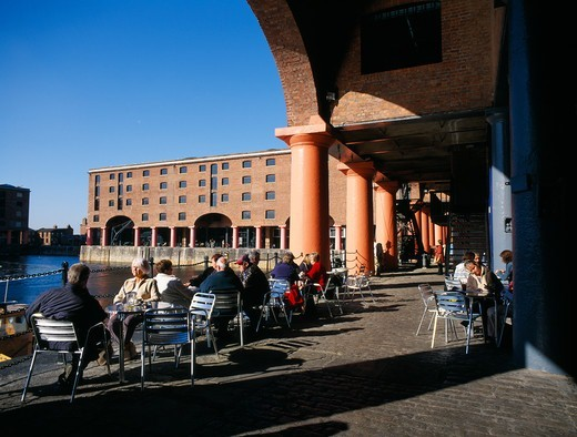 Albert Docks, Cafe : Stock Photo