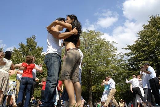Dance Al Fresco In Regents Park London August 2007 : Stock Photo
