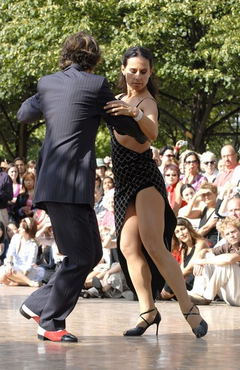 Tango Performance At Dance Al Fresco In Regents Park London August 2007 : Stock Photo