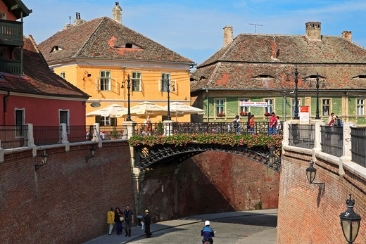 Stock Photo: 1840-6016 Romania, Transylvania, Sibiu, Old Town, The Liars' Bridge