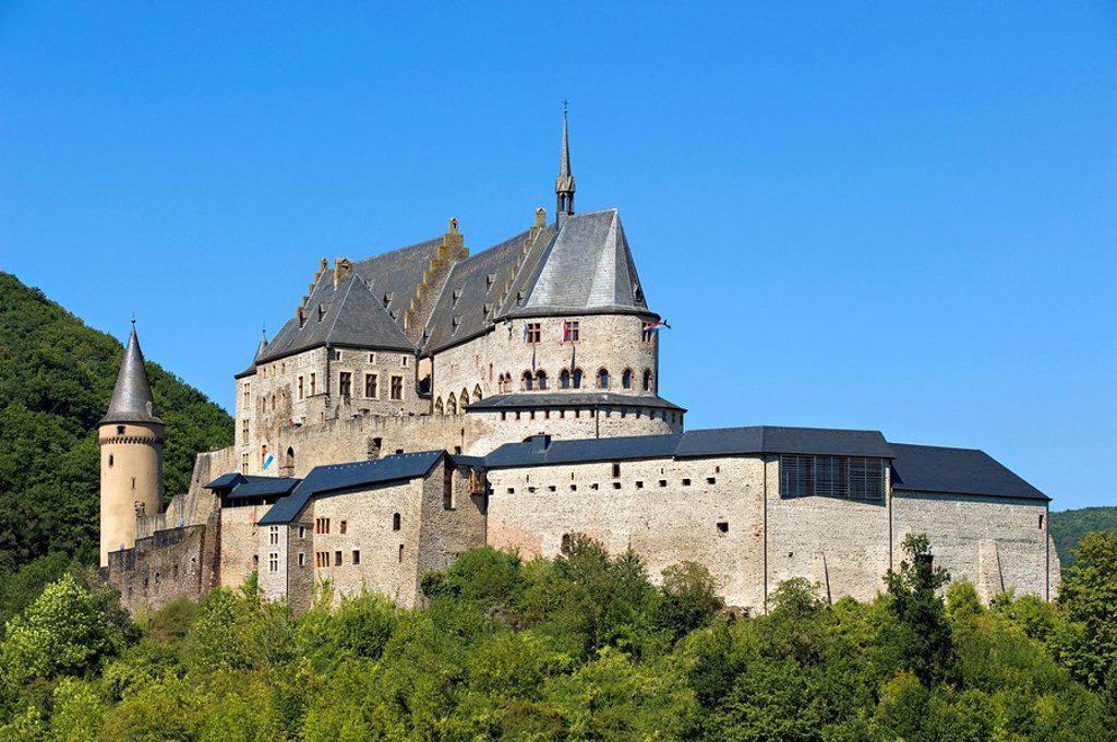 Stock Photo: 1841-101353 Vianden Castle, Luxembourg