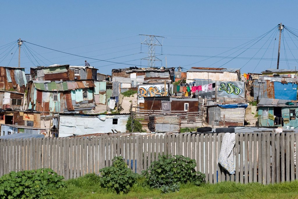 Informal settlement along N2 highway on the outskirts of Cape Town, South Africa : Stock Photo