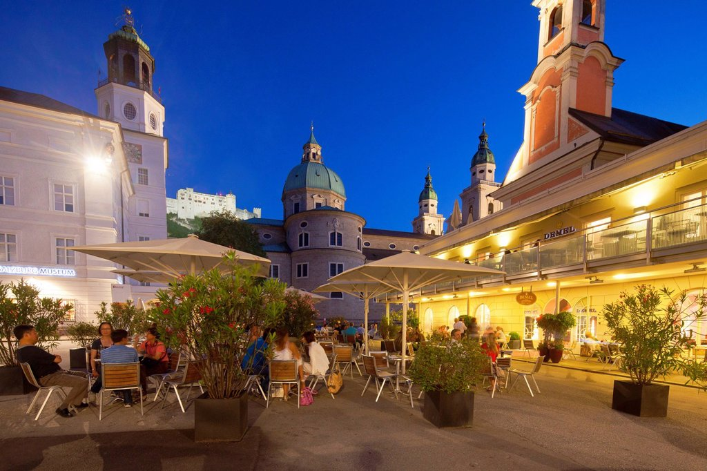 Stock Photo: 1841-120018 Cafe Demel at Mozartplatz, Salzburg, Austria