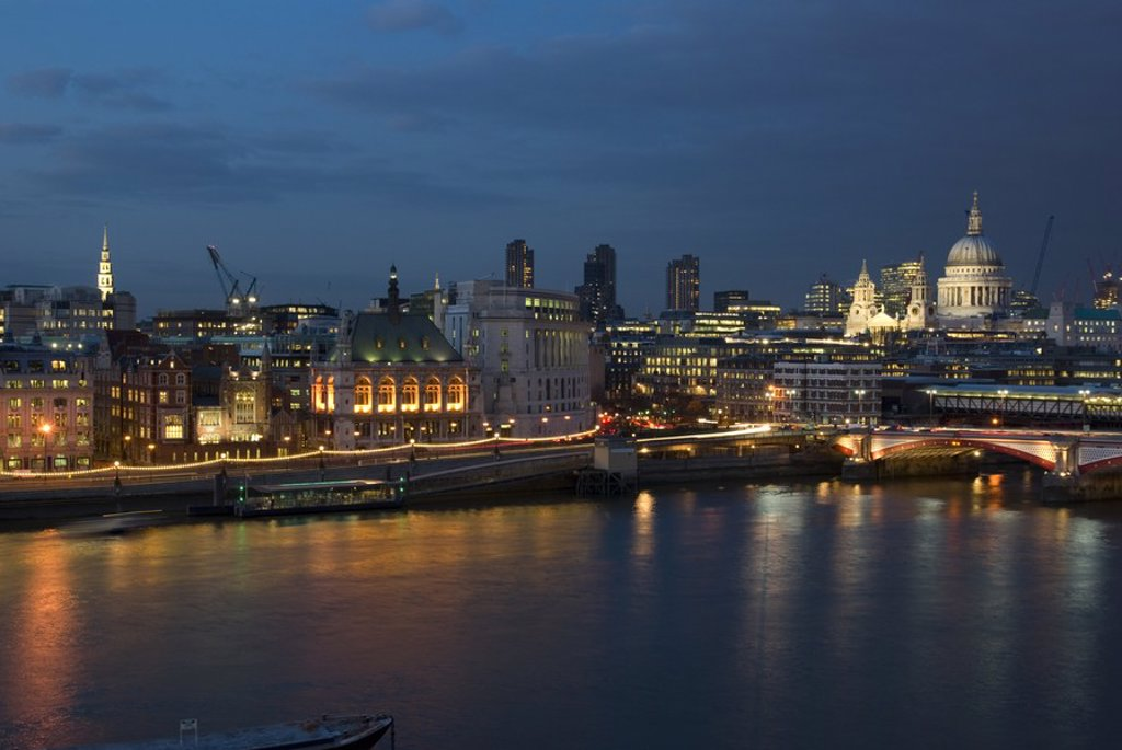 Stock Photo: 1841-12014 Buildings at waterfront, St Paul´s Cathedral, Thames River, London, England