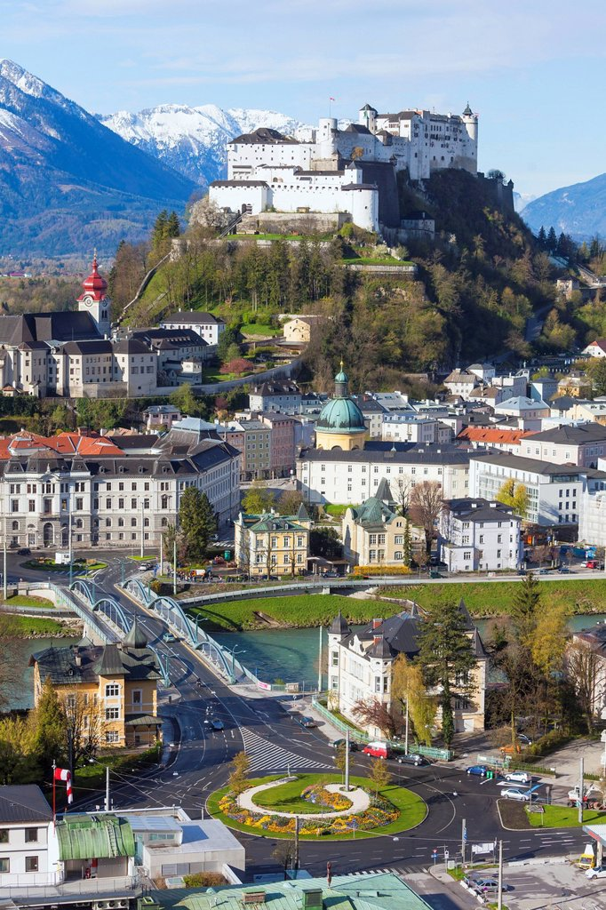 Stock Photo: 1841-122018 Old town of Salzburg with Hohensalzburg Castle, Austria