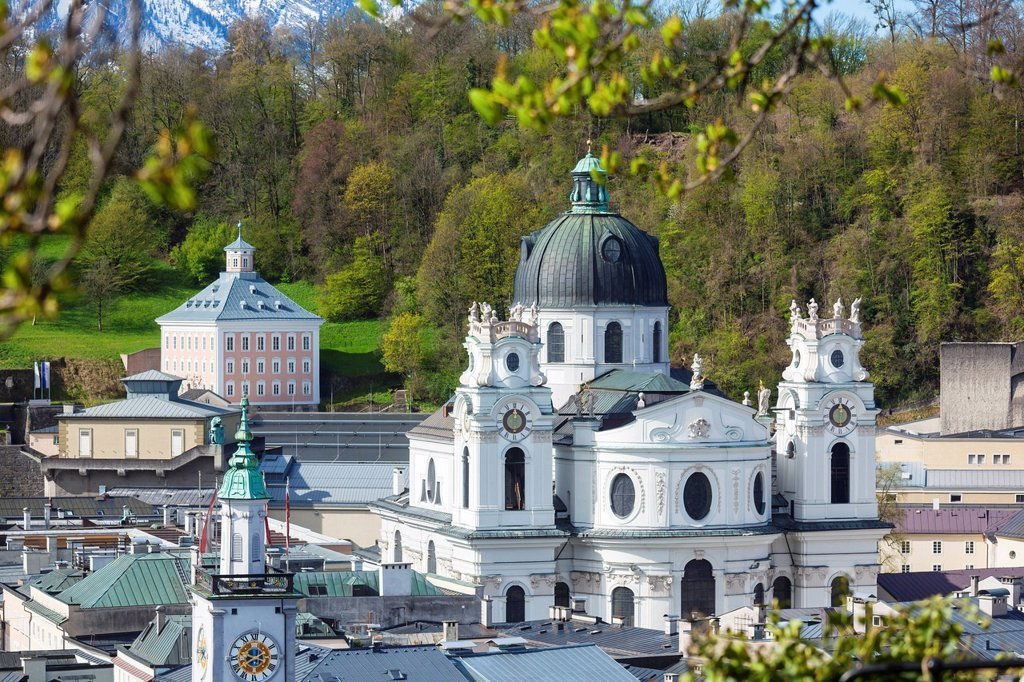 Stock Photo: 1841-123013 Kollegienkirche and Edmundsburg, Salzburg, Austria