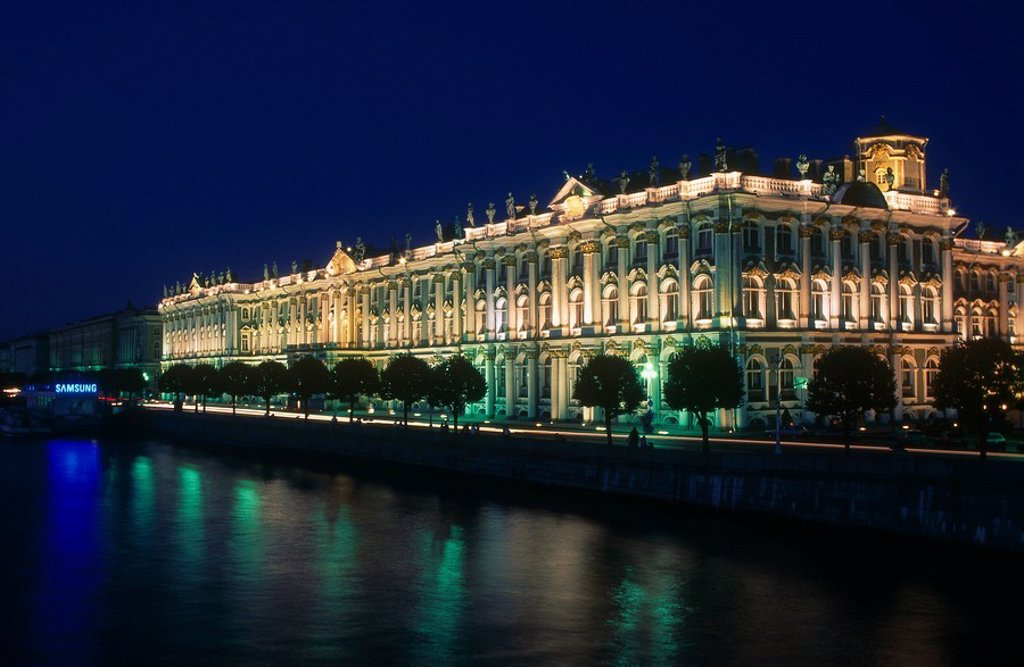 Palace along Newa river illuminated at night, St. Petersburg, Russia, Europe : Stock Photo