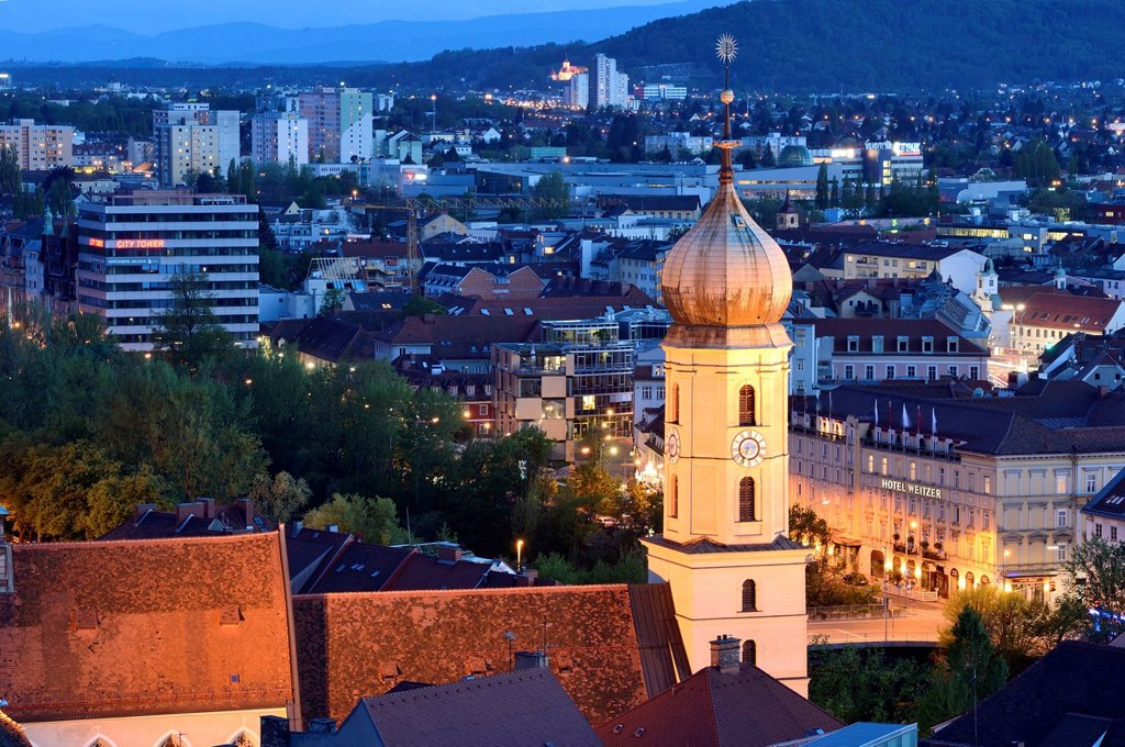 Headline: Urban landscape of Graz at blue hour, Styria, Austria : Stock Photo