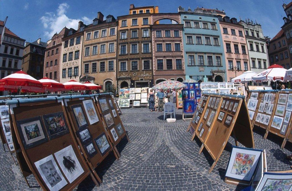 Stock Photo: 1841-13800 Tourists at open market at town square, Rynek Starego Miasta, Warsaw, Poland
