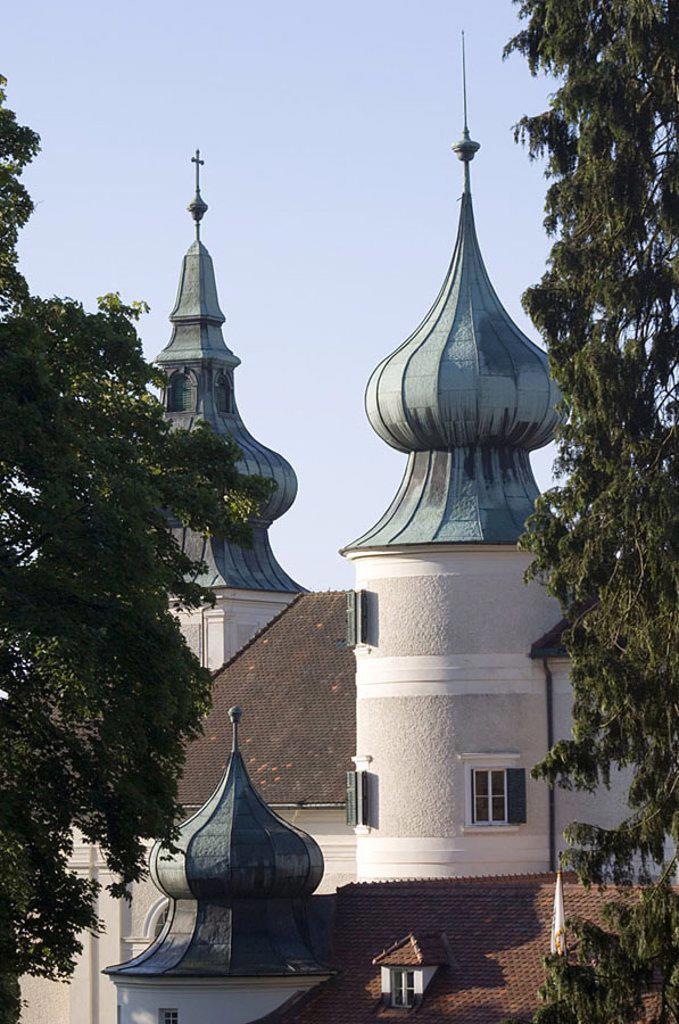 Trees in front of castle, Artstetten Castle, Wachau, Lower Austria, Austria : Stock Photo