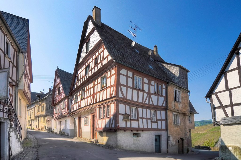 Half_timber houses in Enkirch on the Moselle, Rhineland_Palatinate, Germany : Stock Photo