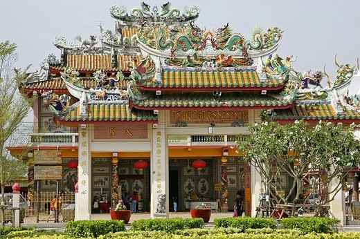 Facade of temple, Chachoengsao, Chachoengsao Province, Thailand : Stock Photo