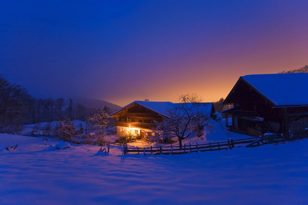 Stock Photo: 1841-24299 Farmhouse lit up at night, Elsbethen, Flachgau, Salzburg, Austria