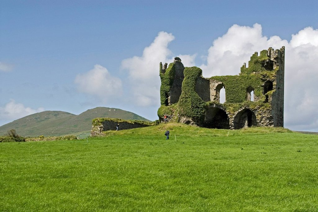 Old ruins of castle on hill, Ballycarbery Castle, Iveragh Peninsula, County Kerry, Munster, Ireland : Stock Photo