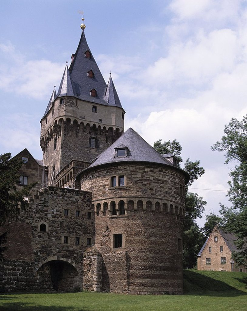 Castle under cloudy sky, Huelchrath Castle, Grevenbroich, Lower Rhine, Germany : Stock Photo