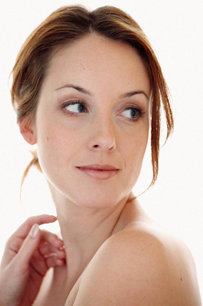 Portrait einer 35_j‰hrigen Frau in W‰sche, Halbkˆrperaufnahme : Stock Photo
