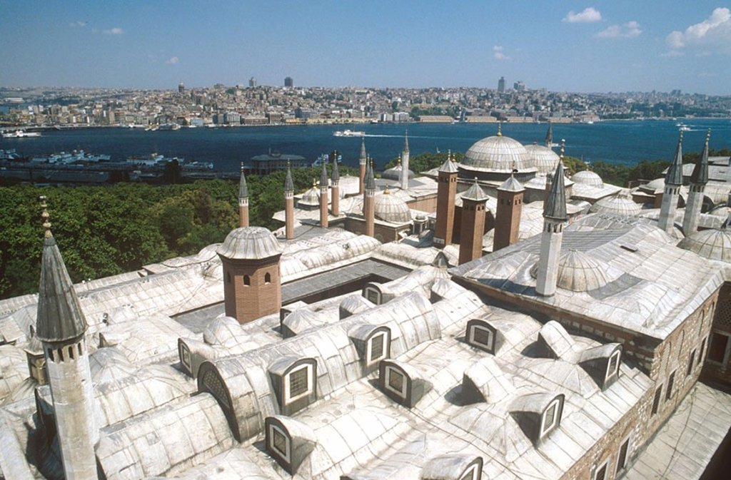 Stock Photo: 1841-37714 High angle view of mosque at coast, Topkapi Palace, Istanbul, Turkey
