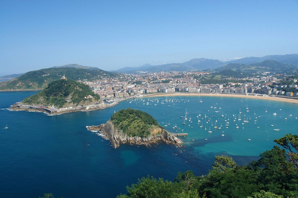 Stock Photo: 1841-39117 Aerial view of beach and town, Playa de Ondarreta, San Sebastian, Spain