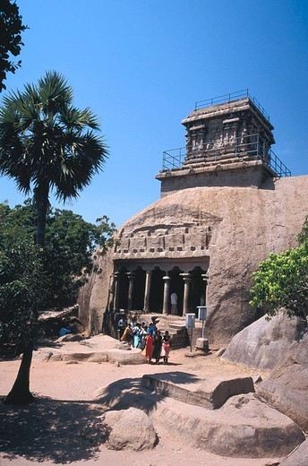 Tourists at lighthouse of temple, Mahabalipuram, Kancheepuram, Tamil Nadu, India : Stock Photo