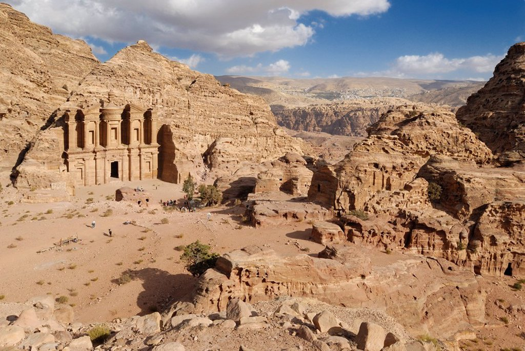 Stock Photo: 1841-41555 High angle view of tourists in front of monastery, Petra, Wadi Musa, Jordan