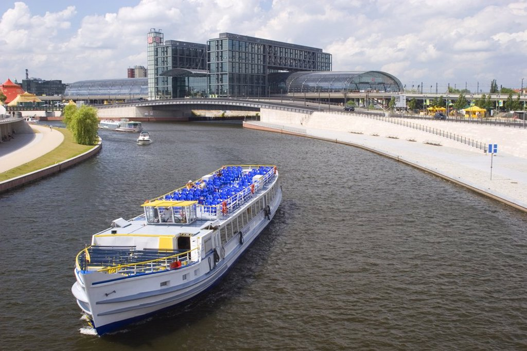 Stock Photo: 1841-43743 High angle view of yacht in river, Spree River, Berlin, Germany