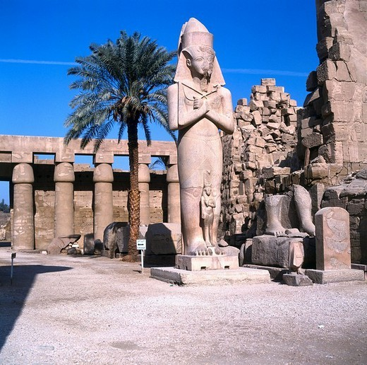 Stock Photo: 1841-44272 Ruins of temple, Ramesseum, Karnak, Luxor, Egypt