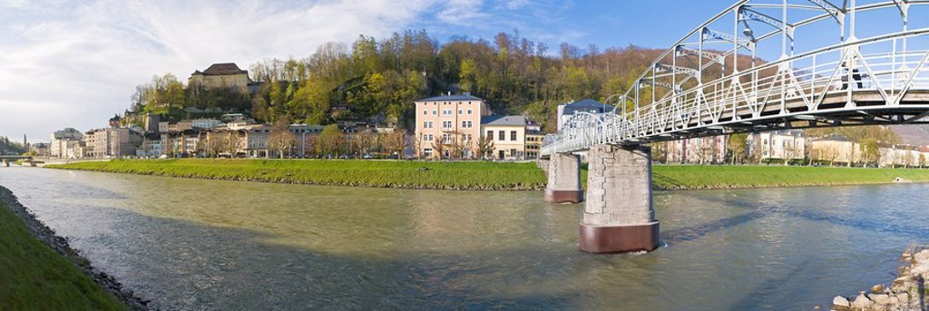 Stock Photo: 1841-48208 Bridge across river, Salzach River, Mozartsteg, Kapuzinerberg, Salzburg, Austria