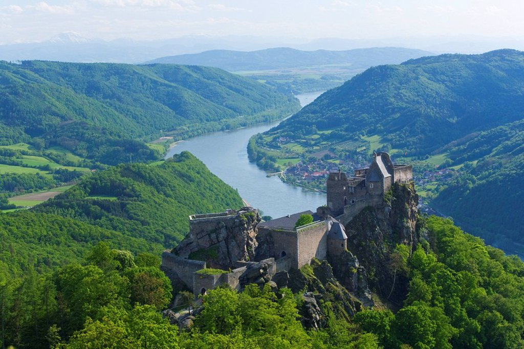 Stock Photo: 1841-52414 High angle view of old ruins of castle on hill, Aggstein Castle, Dunkelsteiner Wald, Schoenbuehel, Danube River, Wachau, Lower Austria, Austria