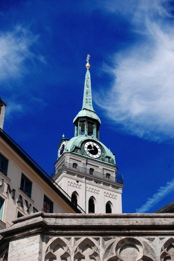 Low angle view of clock tower against sky, St. Peter´s Church, Munich, Germany : Stock Photo