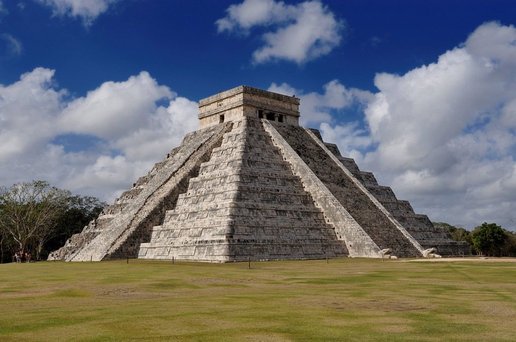Stock Photo: 1841-55683 Temple of Kukulcan El Castillo at the Maya ruin site of Chichen Itza, Yucatan, Mexico